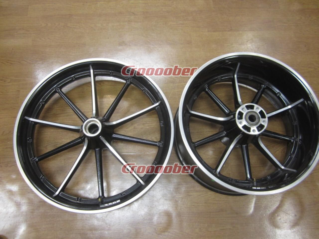Used Harley Davidson Wheels >> Harley Davidson Softail Breakout Genuine Wheel Set Rims For Sale Croooober